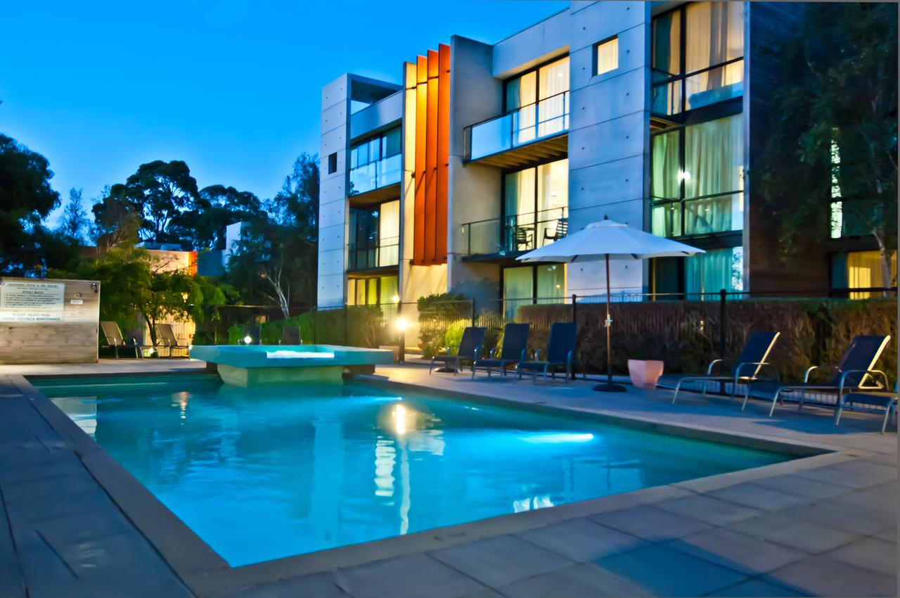 Phillip Island Apartments - Surfers Gold Coast