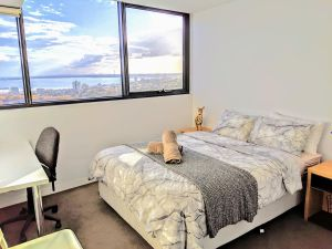 Homestay Ocean View with Gym Sauna - Surfers Gold Coast