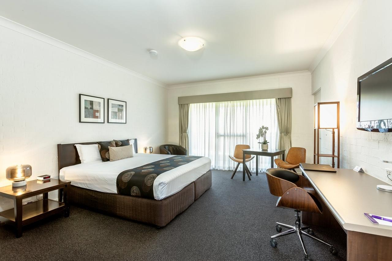 Blazing Stump Motel  Suites - Surfers Paradise Gold Coast