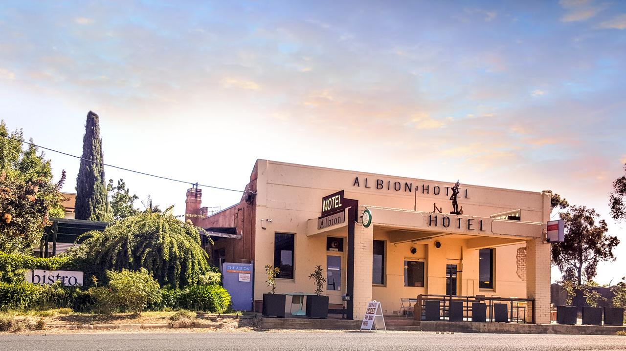 Albion Hotel and Motel Castlemaine - Surfers Paradise Gold Coast