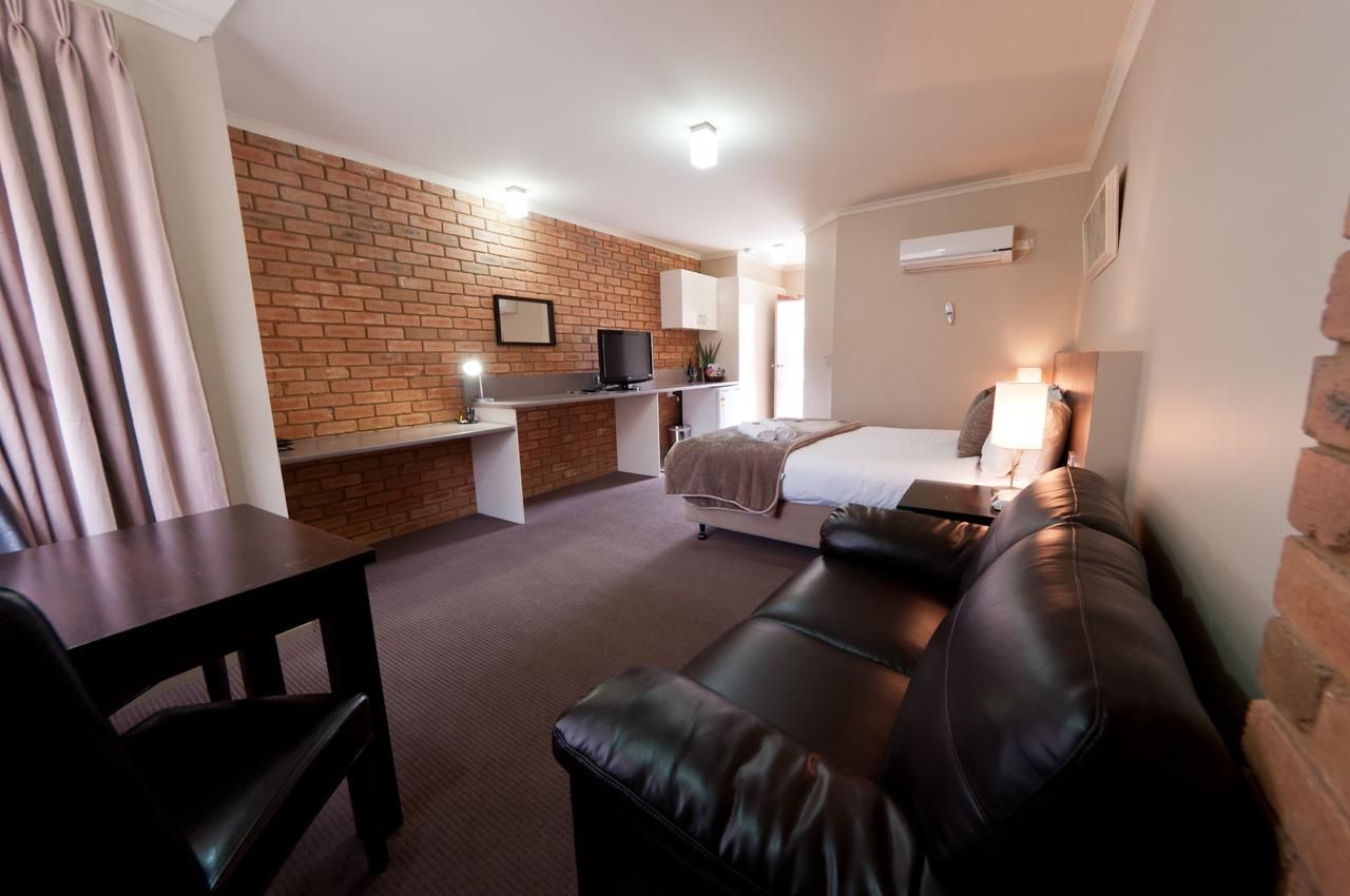 National Hotel Complex Bendigo - Surfers Gold Coast