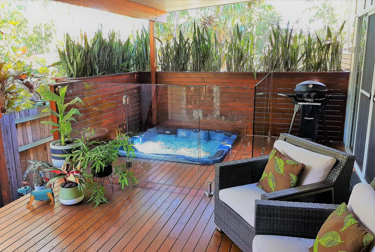 Pandanus Spa Cottage - Surfers Gold Coast