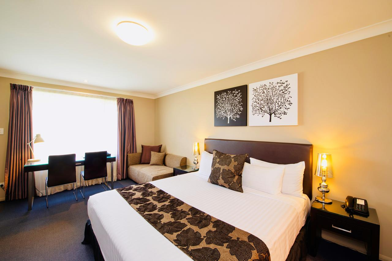 Best Western Plus Ambassador On Ruthven Motor Inn - Surfers Gold Coast