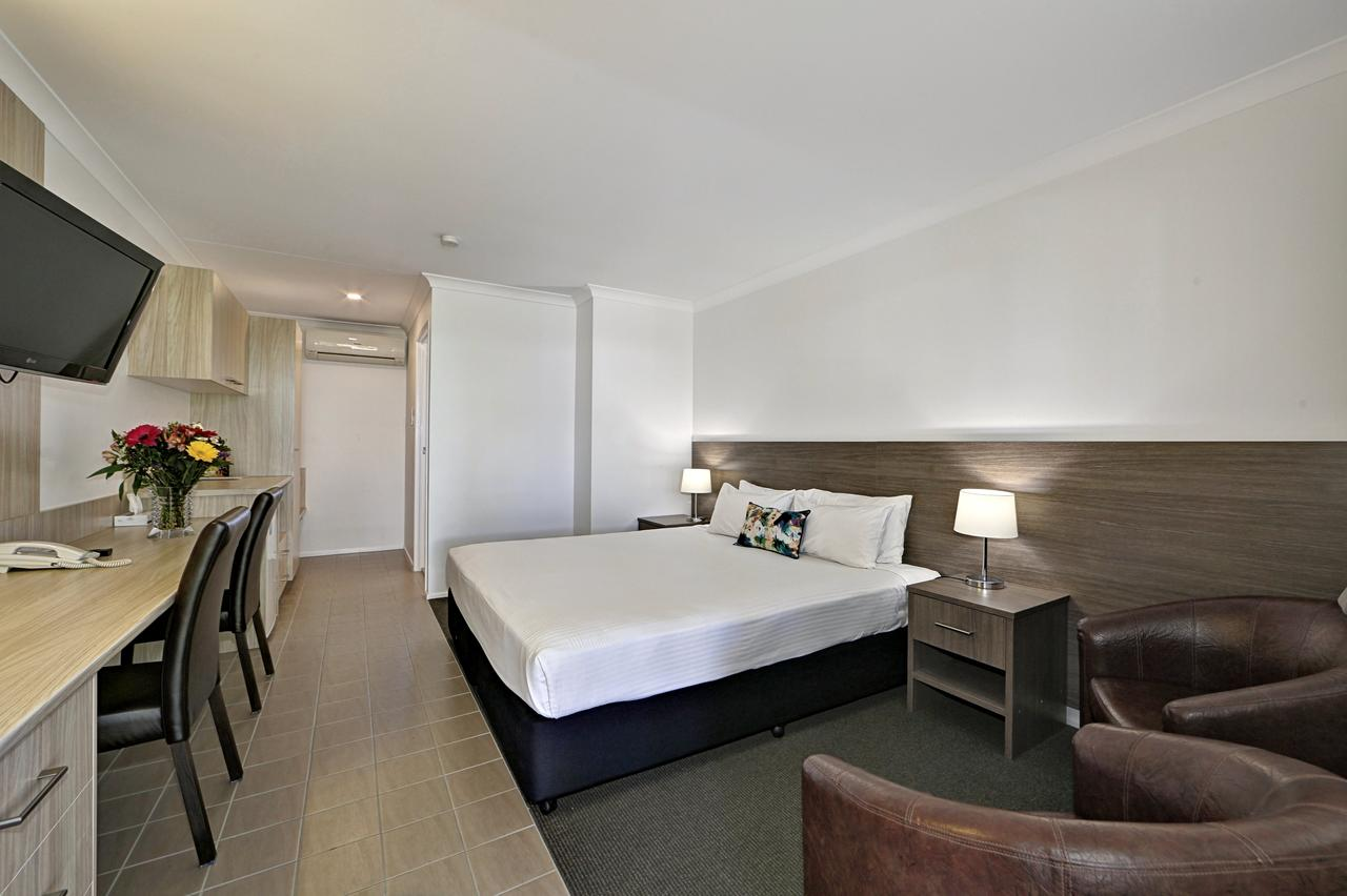 Smart Motels Bert Hinkler - Surfers Gold Coast