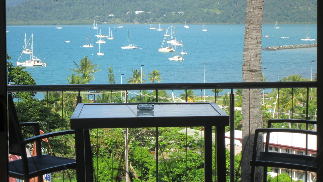 Waterview Airlie Beach - Surfers Gold Coast