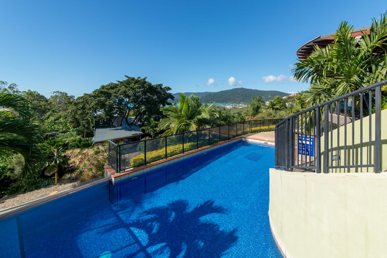 Paradise Penthouse at Waves - Airlie Beach - Surfers Gold Coast