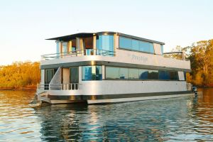Coomera Houseboats - Surfers Gold Coast