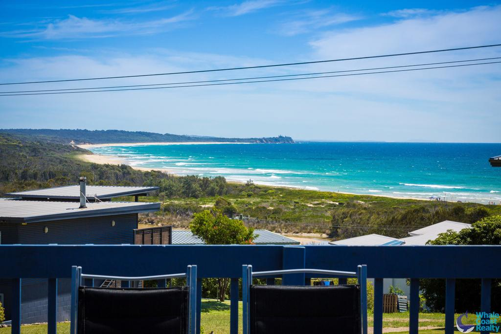 17 Dulling Street - Beach House - Surfers Gold Coast