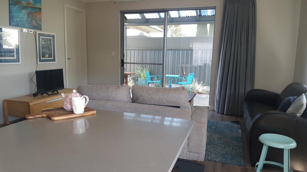 Ashford House - Surfers Gold Coast