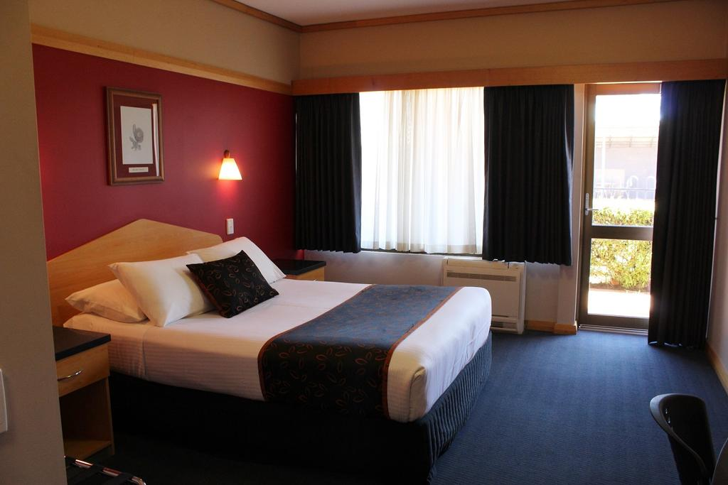 Banksia Motel - Surfers Gold Coast