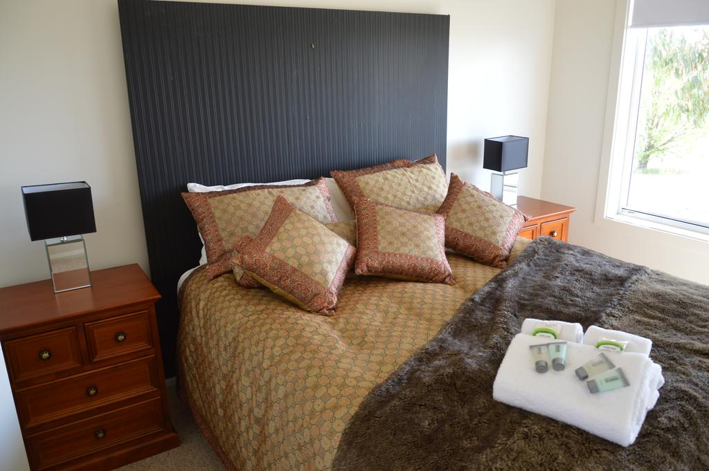 Bathurst Goldfields Residence - Surfers Gold Coast